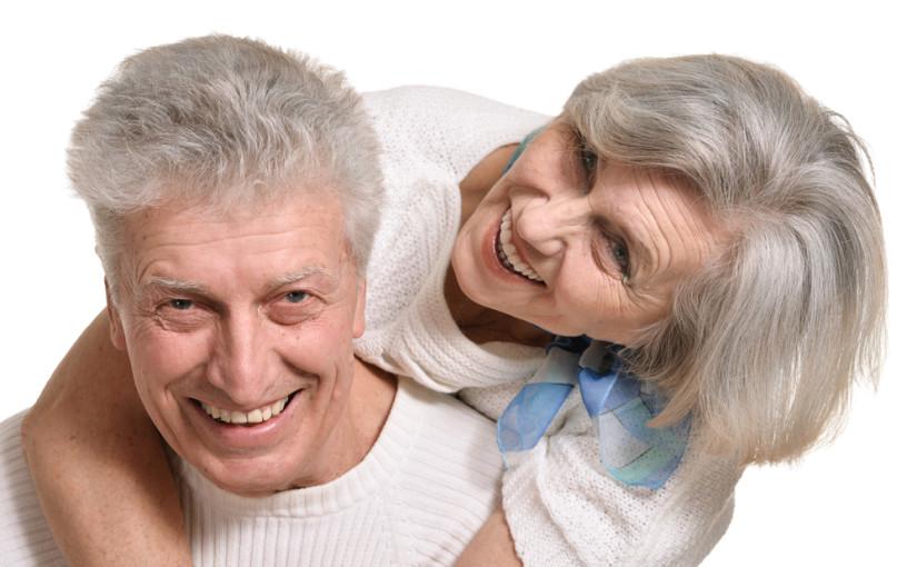 """Czy można odzyskać piękny uśmiech w 1 dzień? Cała prawda o nowoczesnej metodzie leczenia implantologicznego, """"Zęby w 1 dzień""""."""