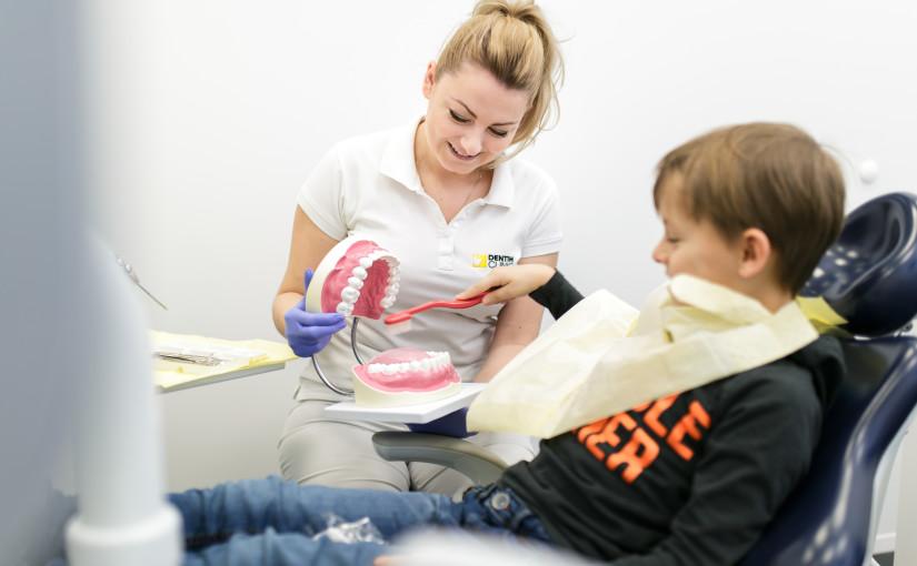 7 sposobów na uchronienie dziecka od lęku przed dentystą