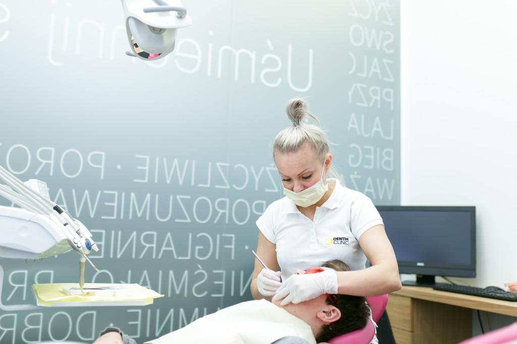 Higienizacja zębów w Dentim Clinic
